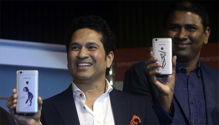 Smartron's smartphone launched in India-Sachin is the Brand Ambassador